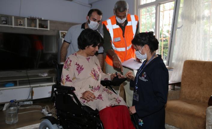 İBB, Hırsızların Mağdur Ettiği Engelli Kadının Yardımına Koştu