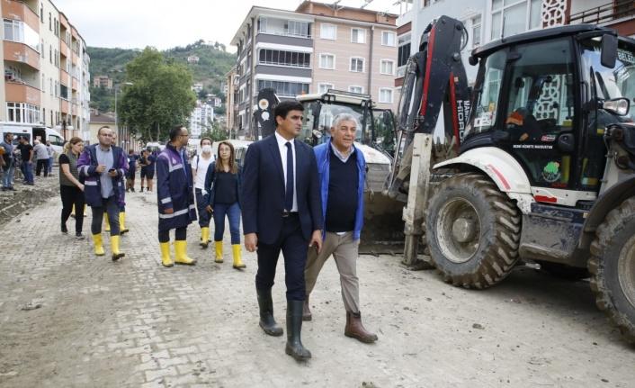 Başkan Genç Afet Bölgesinden Seslendi; Bu Binaları Yapanların Vebali Çok Büyük