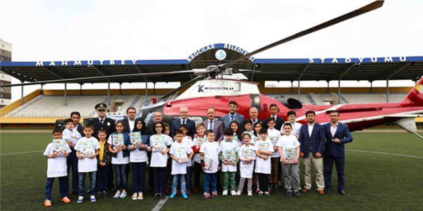 23 şanslı öğrenci 23 nisan'da helikopterle istanbul'u turladı