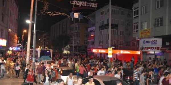 Bağcılar ve Zeytinburnu'nda Dağlıca Saldırısı Protesto Edildi