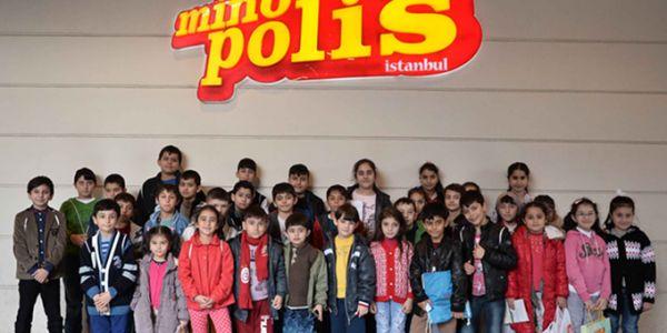 Bağcılarlı yetim ve öksüz çocuklar Minopolis'te eğlendi