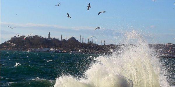 İstanbul'da lodosla birlikte sıcaklıklar artacak