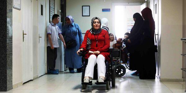 Tekerlekli sandalye hayallerini gerçekleştirmesine engel olmadı