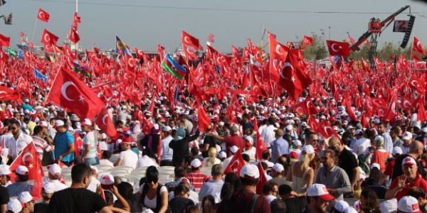 Yenikapı'da 5 Milyon Vatansever Saatlerce Reisi Bekledi