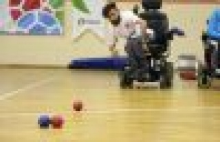 Milli Sporcular Çekya'daki Boccia Turnuvası'na...